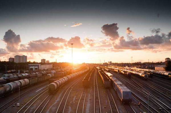 Foto:. Bahnhof bei Sonnenuntergang